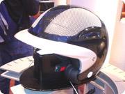 システムヘルメット5と同じく、日本未導入のBMWメッシュヘルメット。見ているだけでも涼しそうです。